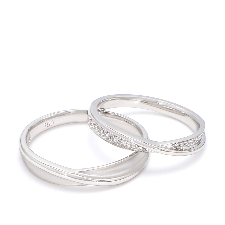 18K White Gold Medusa Diamond Wedding Band